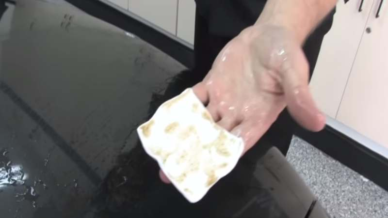 Barra de arcilla blanca despues de limpiar la suciedad -2