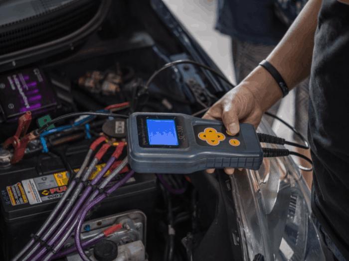 indicacion LED GEEKEN Probador de Bateria de Coche 12V y alternador Prueba de condicion de la bateria y Carga del alternador
