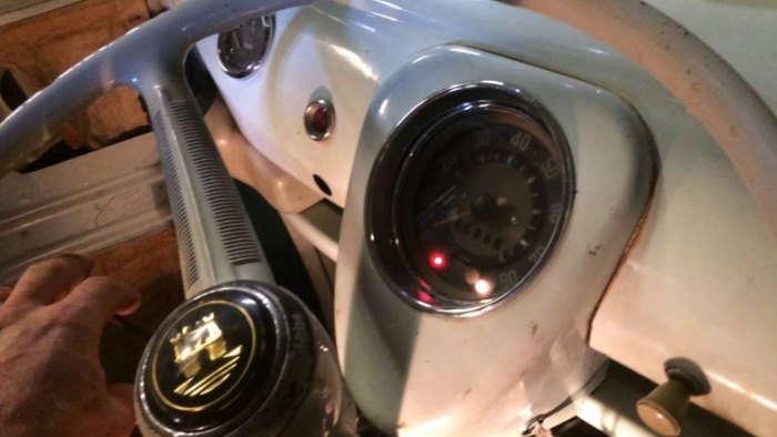 Luz del alternador floja en un volkswagen 1954
