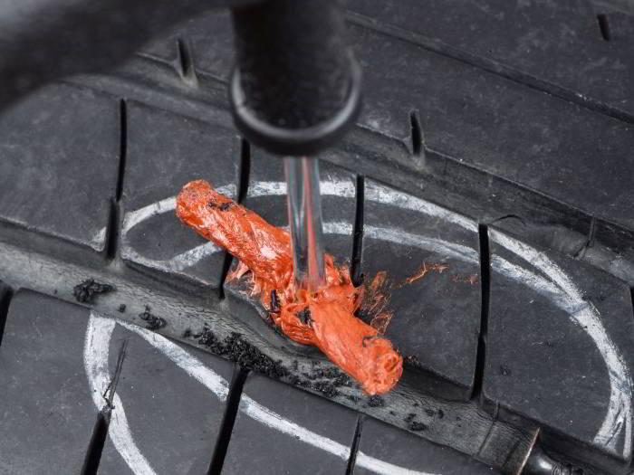 7 mejores Kits para reparar neumáticos sin cámara